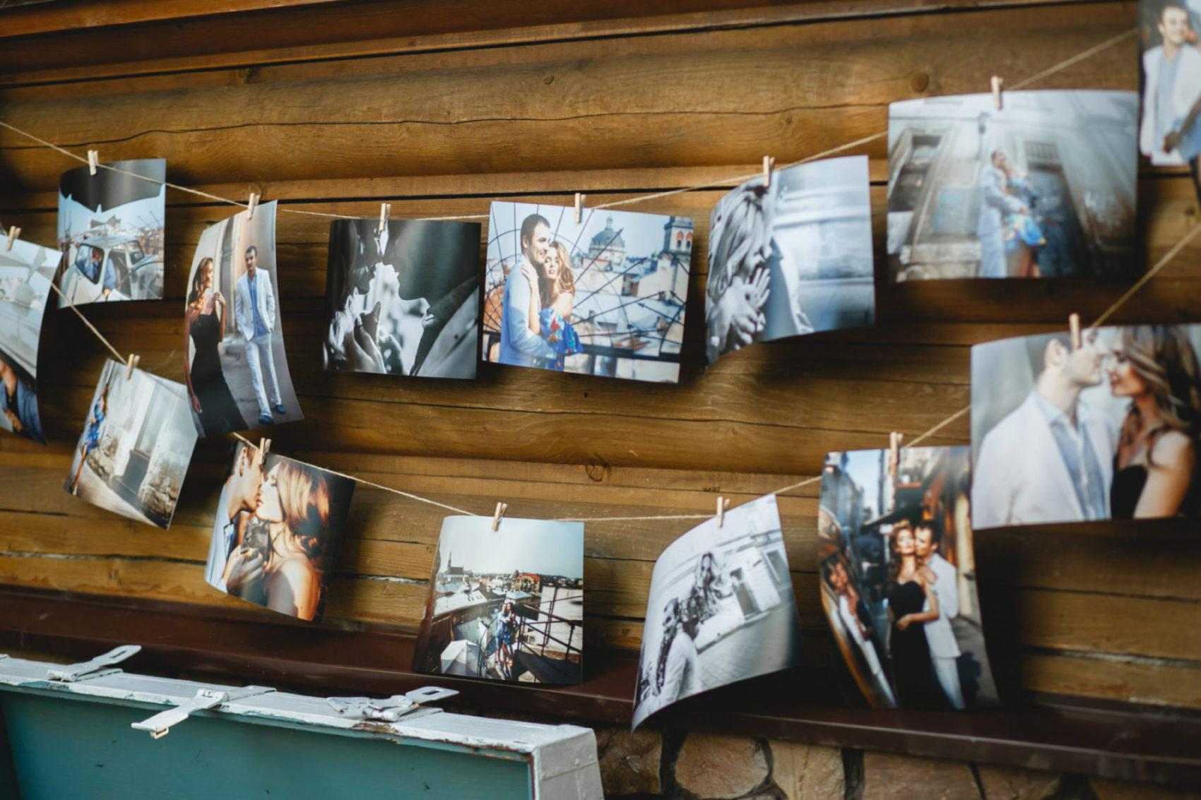 Zavěšené fotky na šňůře